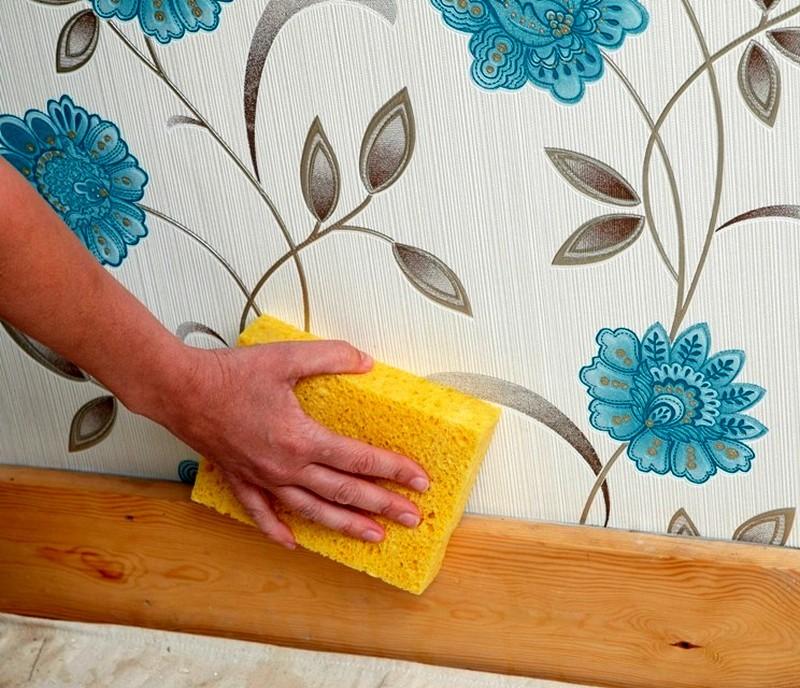 Удаления моющих обоев со стен