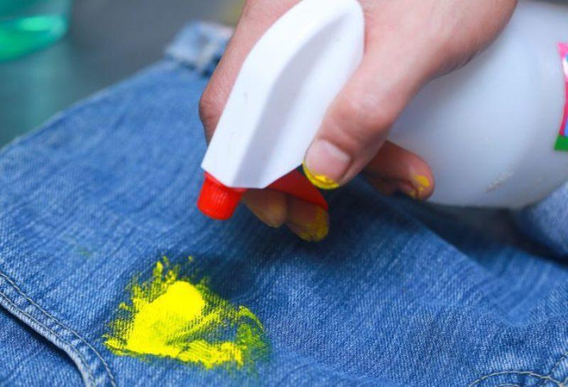 Вывод пятна краски с джинсов