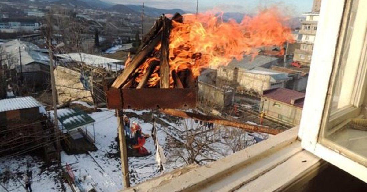 Огонь на балконе
