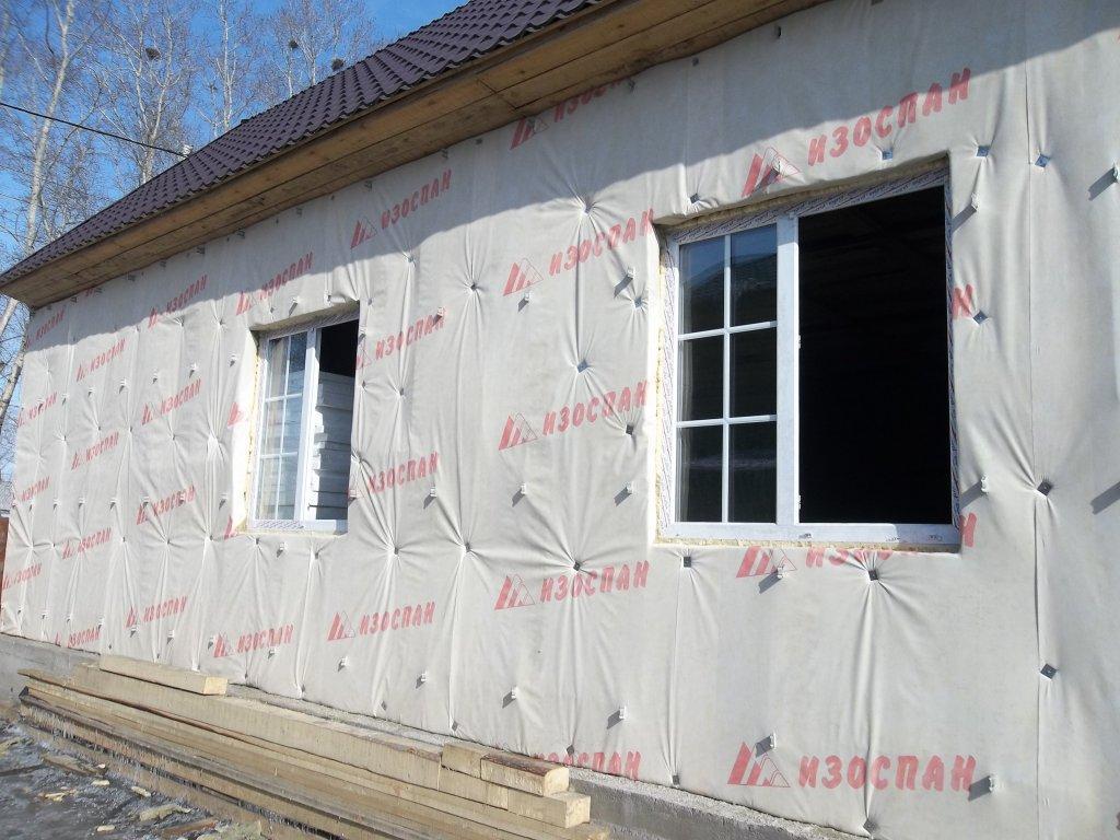 На фото показано утепления стен дома снаружи.